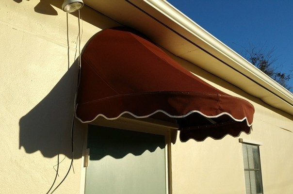 Blue Diamond Signs – Custom Awnings 004