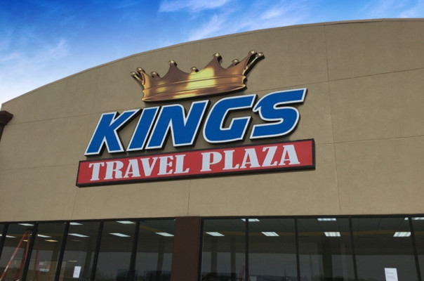 Kings Travel Signage